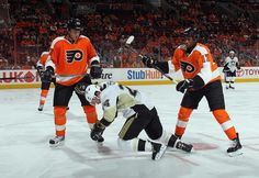 Simmonds and Kubina act like true Flyers players during Game Classless. Flyers Players, Hockey Players, Pittsburgh Sports, Pittsburgh Penguins, Hockey Wife, Eastern Conference, Hockey Games, Game 4, National Hockey League