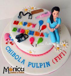 Torta para una enfermera, con detalles únicos en ella, elaborado por MONICA PASTAS Y DULCES,
