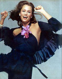 Lauren Hutton.  Photo by Richard Avedon. Vogue, 1973.