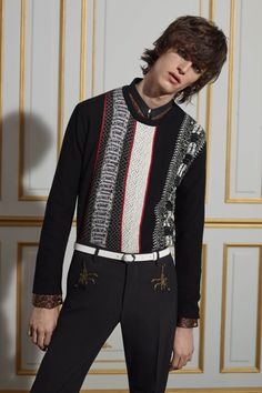 Browse the new Men's Spring Summer Collection catalogue and get inspired by the new Roberto Cavalli trends. Mens Fashion Week, Fashion Wear, Fashion Show, Roberto Cavalli, Collections Catalog, Mens Trends, Fashion Details, Fashion Design, Glam Rock