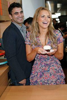 Ali Fedotowsky and Roberto Martinezs cupcake love