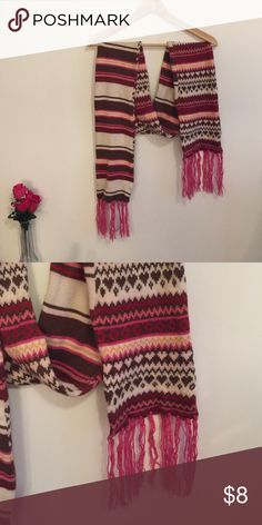 Knitted scarf with fringe details Great used condition scarf, extremely soft and warm for winter, the scarf has no tag, but I originally bought from Aero, scarf is machine washable!! I washed in machine but line dry after Aeropostale Accessories Scarves & Wraps