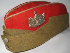 Militaria UK – An Extremely Scarce Officers Field Service / Side Hat to… British Army Uniform, British Uniforms, Soldier Costume, Navy Air Force, Military Cap, Military History, Headgear, Headdress, Coin Purse