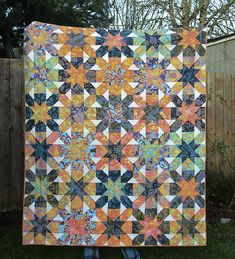 Beautiful and Easy Quilt to Stitch Up Quickly A Beautiful and Easy Quilt to Stitch Up Quickly - Quilting DigestA Beautiful and Easy Quilt to Stitch Up Quickly - Quilting Digest Star Quilt Patterns, Star Quilts, Scrappy Quilts, Easy Quilts, Pattern Blocks, Quilting Tutorials, Quilting Designs, Quilting Projects, Modern Quilt Blocks