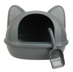 Maison-chat-grise-face-pelle