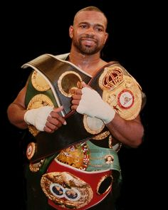 Boxing's Best ever to step in a Ring the Pound for Pound King Roy Jones Jr Roy Jones Jr, Boxe Fight, Aikido, Boxing Images, Boxing Posters, Professional Boxing, Mma Boxing, Kick Boxing, Boxing History