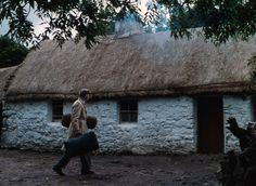 "John Wayne walking into the White O'Morn cottage in ""The Quiet Man. Man Movies, Good Movies, Irish Movies, The Quiet Man Movie, Viejo Hollywood, John Wayne Movies, Maureen O'hara, Irish Cottage, American Legend"