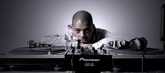 KL Jay o mestre dos toca-discos