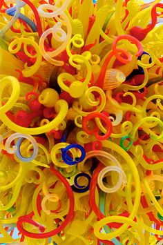 Chihuly.....LOVE LOVE his blown glass...could sit at the Children's museum and take pictures ALL day! *sigh*