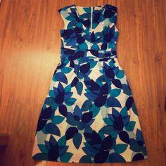 Calvin Klein dress Calvin Klein dress with pockets. Size 4. Great work dress! Calvin Klein Dresses