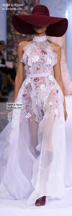 Ralph & Russo Fall 2016 Haute Couture - This collection is creative dynamism. It's filled with a floral motif conveyed thru hand painting, beaded embroidery and 3D laser cutouts