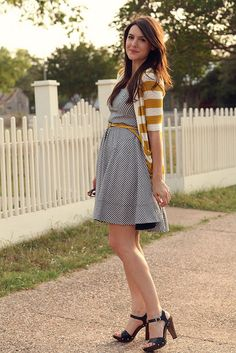 The belt with this dress and this cardigan is pure perfection // kendieveryday.blogspot.com