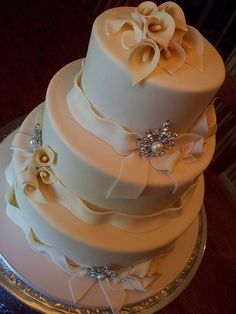 Calla Lily Wedding cake by Andrea's SweetCakes, via Flickr