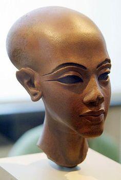 cabeza de mujer del palacio, Amarna