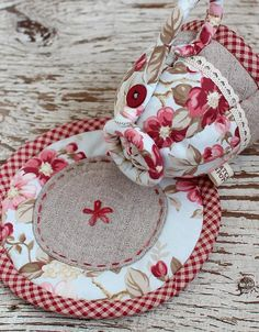 Quilted Teacup | How clever and pretty, just loving this persons wonderful needlework, very inspirational.