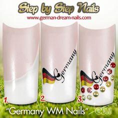 Für alle, die noch die passende Nailart für heute Abend suchen... http://www.german-dream-nails.com/nailart-anleitung-germany-wm-nails #nailart #anleitung #jolifin
