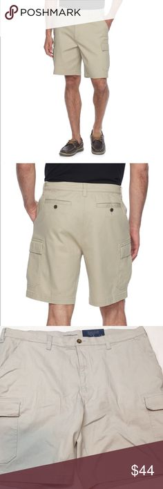 Croft & Barrow True Comfort Stretch Cargo Shorts Cargo cool. Explore your world in comfort and style with these men's Croft & Barrow cargo shorts and their stretch fabric blend.  PRODUCT FEATURES 	•	Stretch fabric blend for comfortable movement 	•	Cargo pockets 	•	6-pocket 	•	Zipper fly FIT & SIZING 	•	Classic fit sits at the waist and is relaxed through the hip and thigh with a traditional leg opening 	•	9-inch inseam 	•	Measurements are approximate and may vary by size FABRIC & CARE…