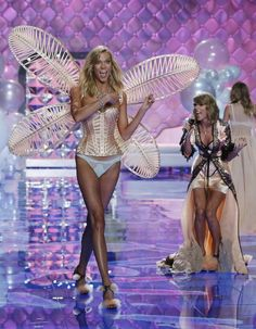 Taylor Swift at VS Fashion Show 2014....in London!