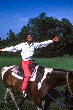 """New"" rare photos of Michael Jackson II Jackson Family, Jackson 5, Familia Jackson, Sheila, Michael Jackson Pics, King Of Music, The Jacksons, We Are The World, My King"