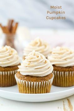 These homemade moist pumpkin cupcakes are light and fluffy, and packed with real pumpkin flavor and spice. This easy pumpkin cupcake is an all brown sugar cake recipe with maple syrup, cinnamon and pumpkin spice Pumpkin Cake Recipes, Fall Dessert Recipes, Pumpkin Cupcakes, Köstliche Desserts, Baking Cupcakes, Pumpkin Dessert, Cupcake Recipes, Cupcake Cakes, Frosting Recipes