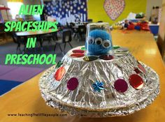 These alien crafts are out of this world! Whether you& looking for an alien party activity or simply a rainy day craft, we have fun options here! Space Preschool, Space Activities, Preschool Themes, Party Activities, Preschool Crafts, Activities For Kids, Preschool Learning, Teaching, Spaceship Craft