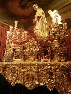 SIMPLEMENTE CAPILLITA: MARTES SANTO SEVILLA. ( y III)