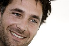 Raoul Bova. That ladies is a panty-dropping smile