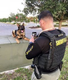 Police Team - May God Bless and Protect you both! K9 Officer, Malinois, War Dogs, Military Dogs, Men In Uniform, German Shepherd Dogs, German Shepherds, Service Dogs, Working Dogs