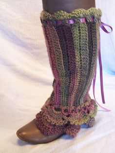 Ravelry: Lace-up Ruffled Legwarmers pattern by Donelda Higgins
