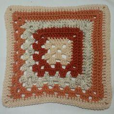 Ravelry: Split Granny Square pattern by Joanita Theron Crochet Granny Square Beginner, Crochet Square Patterns, Granny Square Blanket, Granny Squares, Crochet Shawl, Crochet Baby, Ravelry, Free Pattern, Crocheting