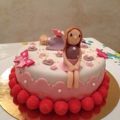 Gâteau bébé et fillette