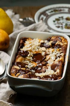 Pear and chocolate clafoutis a d . - Pear and chocolate clafoutis an easy and delicious autumn dessert - Apple Dessert Recipes, Dump Cake Recipes, Pumpkin Dessert, Apple Recipes, Fall Recipes, Cookie Recipes, Desserts For A Crowd, Fancy Desserts, Just Desserts