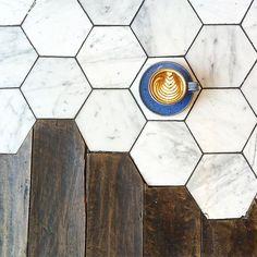 Pavés de marbre + parquet bois