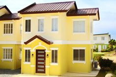 SOFIA MODEL IN THE PALM LAKESHORE, PAMPANGA    Floor Area: 52 sq.m.  Lot Area: 80 sq.m.  House Type: Single-attached  Php 1.5M  House Features:     Living Area  Dining Area  Kitchen  Three (3) Bedrooms  Two (2) Toilet and Baths  Provision for one (1)-car Garage    For Inquiries & FREE Site Viewing:    Maricel  (02)585-3024   maricelcastro_gcrealty@yahoo.com   0917-878-9635  0932-609-1677