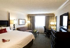 Crowne Plaza Portland-Downtown Convention Center (near airport and airport shuttle upromise rate and best available)