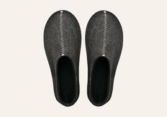 Pia Wallen Unisex Slippers The Original unisex slipper from Pia Wallen is made from felted wool for guaranteed warmth. The sole is coated with a rubber texture to provide grip. Rubber Texture, Mens Slippers, One Design, Soft Furnishings, Scandinavian, Flora, Unisex, My Style, Reupholster Furniture