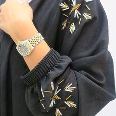 #Repost @fashion_dubai2015 with @instatoolsapp ・・・ كولكشن عبايات وجلابيات🦋26-٣٥ @mricollection ・・・ #subhanabayas #ازياء #عبايات #عباية…