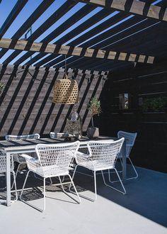 Helt enkelt | Inredning – Foto – Inspiration Outdoor Areas, Outdoor Rooms, Outdoor Living, Outdoor Structures, Outdoor Decor, Outdoor Balcony Furniture, Garden Furniture, Porches, Fresco