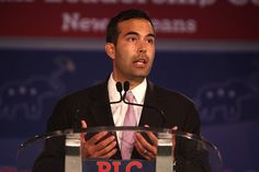 """The Next Bush in Line: Split opinions on George P. Bush as """"Latino Leader""""  A follow-up to yesterday's news about th Uniersoty of Texas giving it's first Latino Leadership award to George P. Bush. Many of you weighed-in on the news. Apparently Taquistas aren't alone …"""