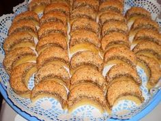 Hungarian Desserts, Hungarian Recipes, Hot Dog Buns, Banana Bread, Cake Recipes, Main Dishes, Muffins, Food And Drink, Vegetarian