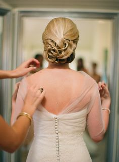 #hairstyles  Photography: Jen Fariello Photography - jenfariello.com  Read More: http://www.stylemepretty.com/2013/08/05/pippin-hill-wedding-from-easton-events-jen-fariello-photography/
