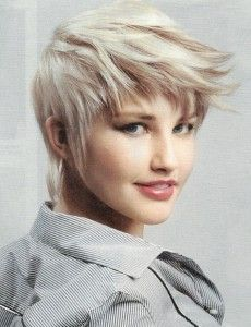 Fashion in your hair: Short layered haircuts 2017 - All For Hairstyles DIY Layered Haircuts 2017, Pixie Haircuts 2015, Pixie Hairstyles, Short Hairstyles For Women, Cool Hairstyles, Textured Hairstyles, Hairstyle Pics, Short Haircuts, Natural Hair Styles