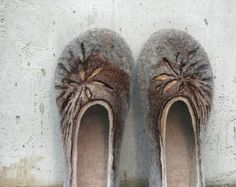 Mother's day gift - Felted slippers for woman - Sand Sun Flowers - Women home shoes - Grey Brown Beige Tan - Spring trends on Etsy, $69.00
