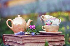 tea and tomes