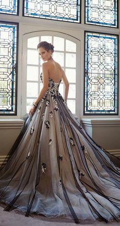 vestido de noiva preto Sophia Tolli's 2014