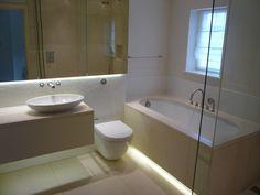 led strips in de badkamer zorgen voor een fraai en modern effect ...