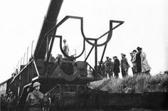 13.5 inch railway gun being inspected by Winston Churchill near Dover