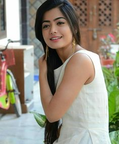 Beautiful Girl Photo, Beautiful Girl Indian, Most Beautiful Indian Actress, Bollywood Actress Hot Photos, Beautiful Bollywood Actress, Beautiful Actresses, Stylish Girl Images, Stylish Girl Pic, Dehati Girl Photo