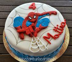 Bolo Spiderman Spiderman Birthday Cake, Baby Boy Birthday Cake, Superhero Cake, Spiderman Pasta, Spiderman Torte, Marvel Cake, Superman Cakes, Cupcakes, Cupcake Cakes