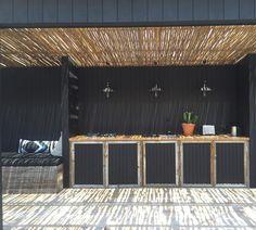 Coastal Style: Destination: The Albatross Inn, Byron Bay Outdoor Areas, Outdoor Walls, Outdoor Rooms, Outdoor Living, Outdoor Decor, Outdoor Bbq Kitchen, Patio Kitchen, Outdoor Kitchens, Terrace Design
